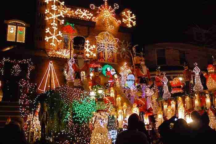 Tour delle case di Dyker Heights, Brooklyn