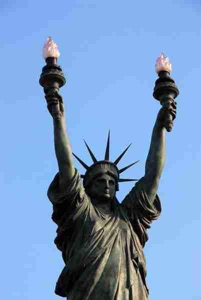 La Statua che si trova a Cadaqués in Spagna