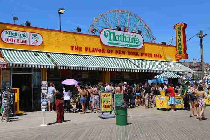 La storica location di Nathan's a Coney Island