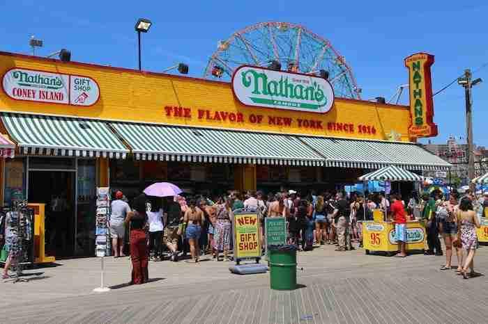 La storica location di Nathan's a Coney Island