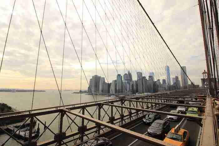 Vista su Lower Manhattan dal ponte di Brooklyn
