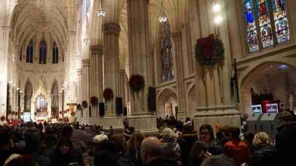 Interno della Cattedrale addobbato nel Periodo Natalizio
