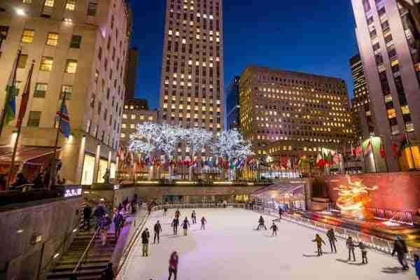La pista di pattinaggio al Rockefeller Center