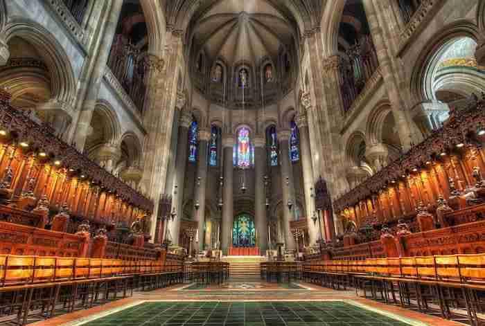 interior de la catedral de san juan el teólogo
