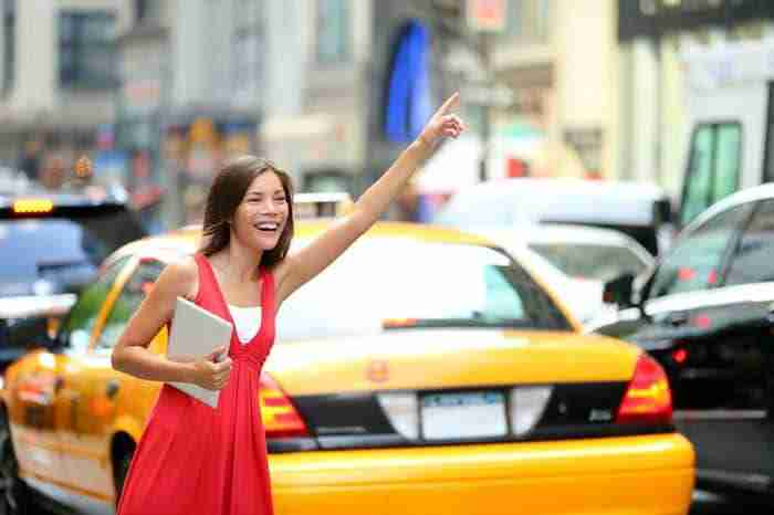 Come si chiama un taxi a New York