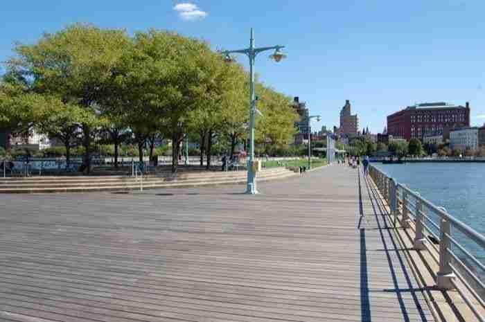 Hudson River Park in bici