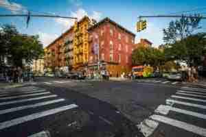 L'incrocio tra Bedford Avenue e la Sixth Street, Williamsburg