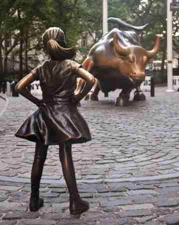 La bambina e il toro di Wall Street