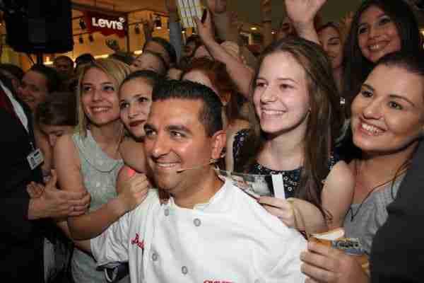"""Il """"Boss delle torte"""" tra le sue fans"""